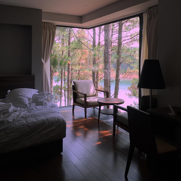 5-resort-xinh-ngat-ngay-voi-view-nhin-ra-ho-tuyen-lam-lang-man-o-da-lat-4